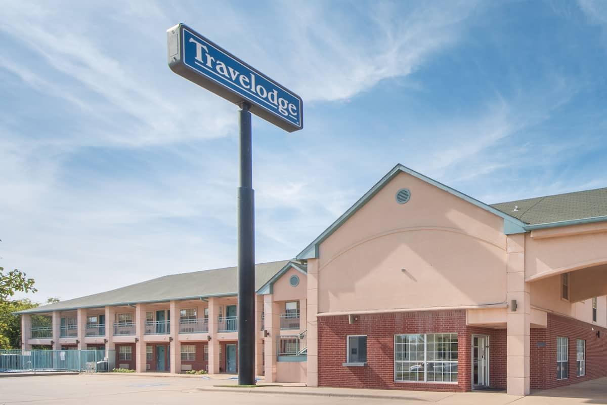 Exterior Of Travelodge Wichita Falls Hotel In Texas