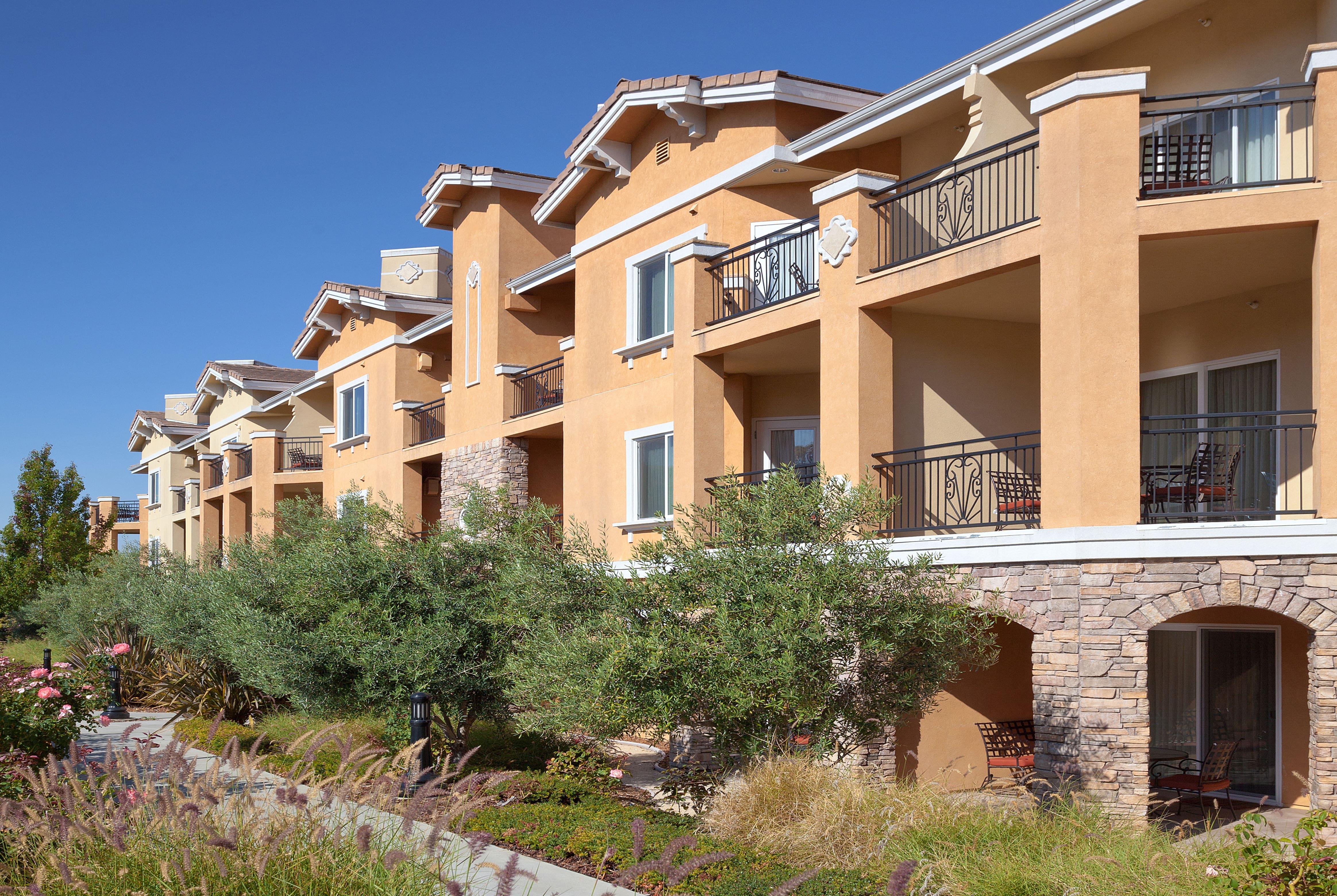 Vino Bello Resort In Rohnert Park California With Hotels