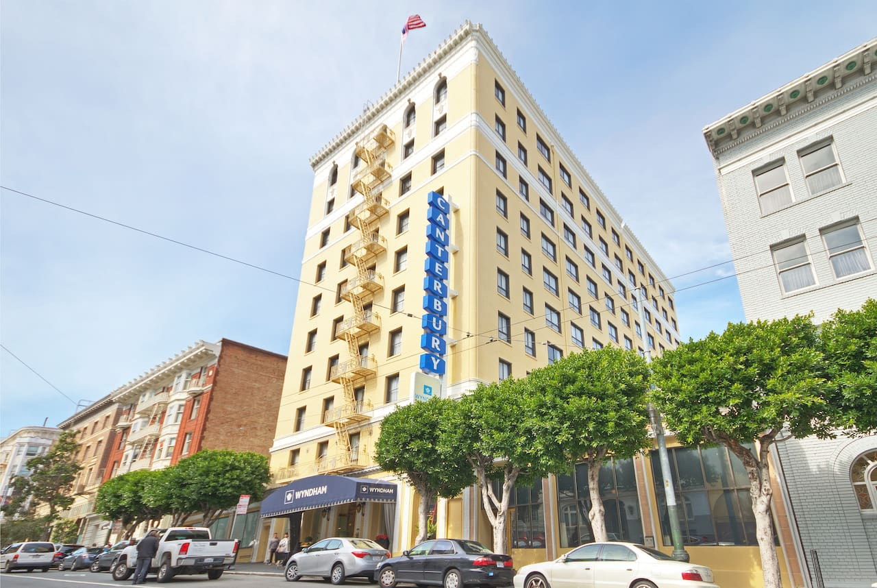 Wyndham Canterbury at San Francisco in  San Bruno,  California