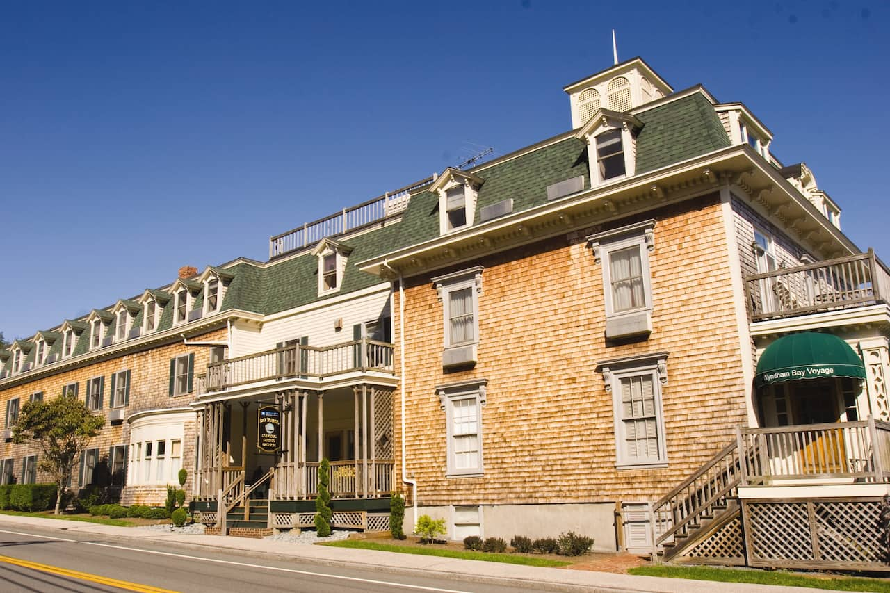 Wyndham Bay Voyage Inn in Cranston, Rhode Island