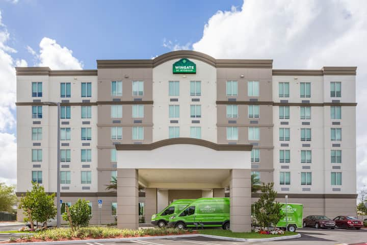 Wingate By Wyndham Miami Airport D Fl Hotels