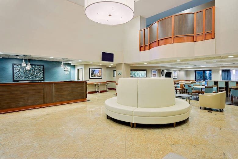 Wingate By Wyndham Arlington Heights Hotel Lobby In Illinois