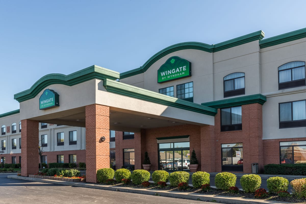 Exterior Of Wingate By Wyndham Indianapolis Airport Rockville Rd Hotel In Indiana