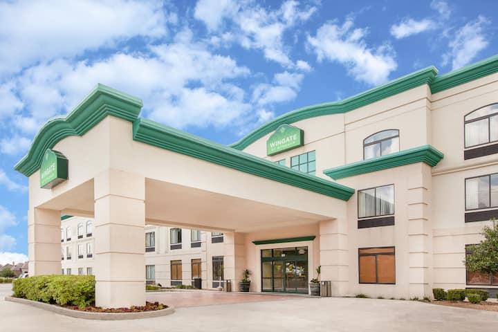 Wingate By Wyndham Lafayette Airport Lafayette La Hotels