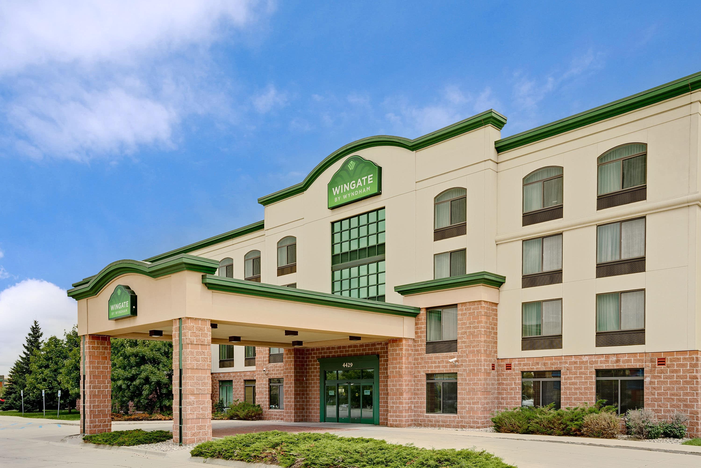 Wingate By Wyndham Fargo Fargo Nd Hotels