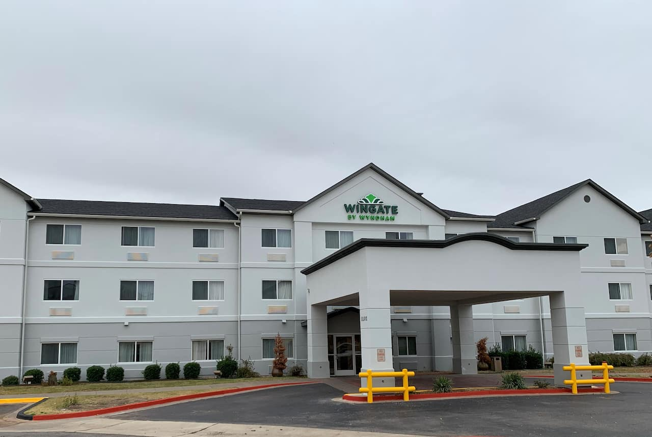Wingate by Wyndham Oklahoma City South in  Moore,  Oklahoma