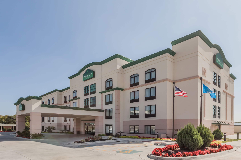 Wingate by Wyndham Tulsa | Tulsa, OK Hotels