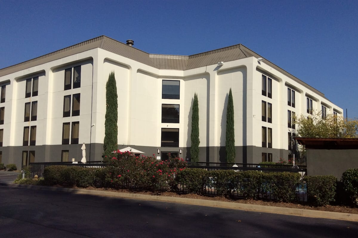 Exterior Of Wingate By Wyndham Greenville Hotel In South Carolina
