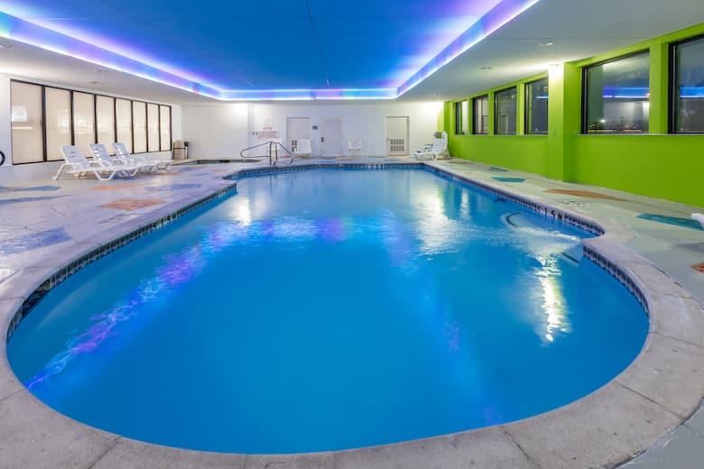 Wingate by Wyndham Dallas Love Field | Dallas Hotels, TX 75247
