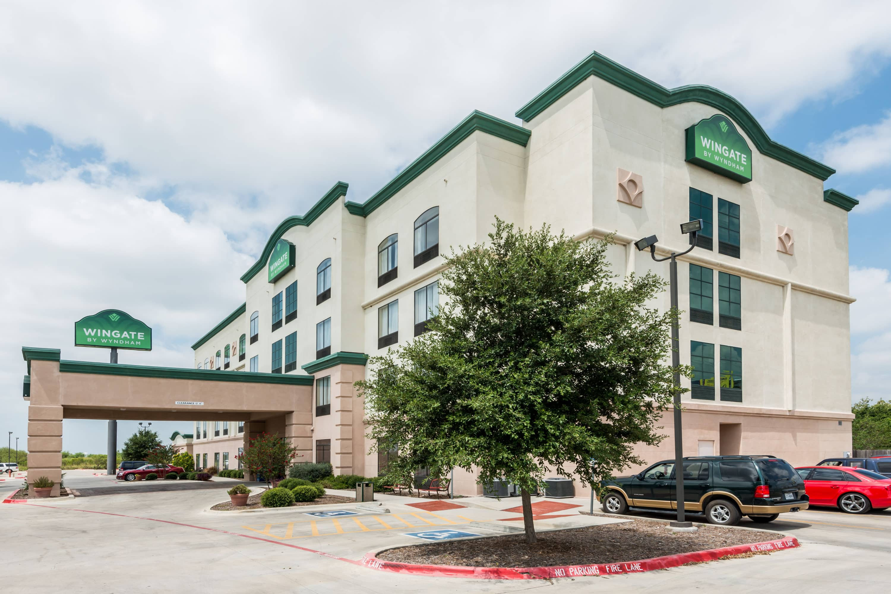 health clubs in new braunfels texas. exterior of wingate by wyndham new braunfels hotel in braunfels, texas health clubs e