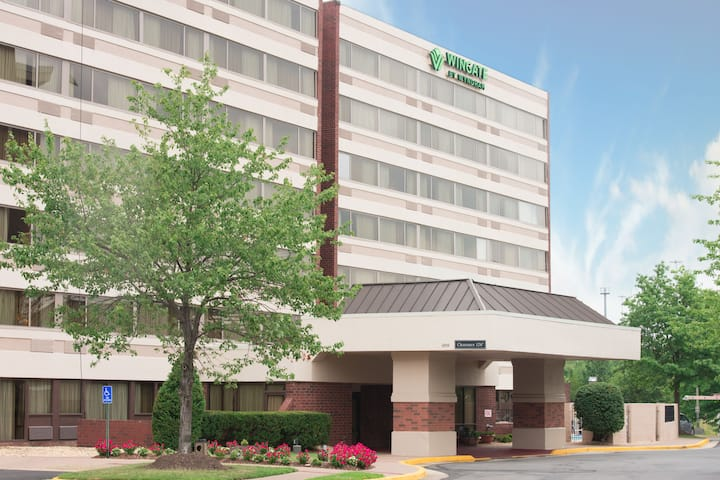 Wingate by Wyndham Springfield | Springfield, VA Hotels