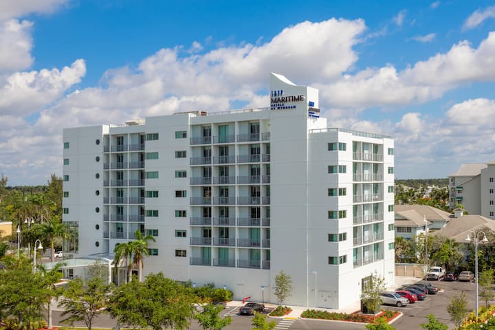 By Wyndham Maritime Fort Lauderdale
