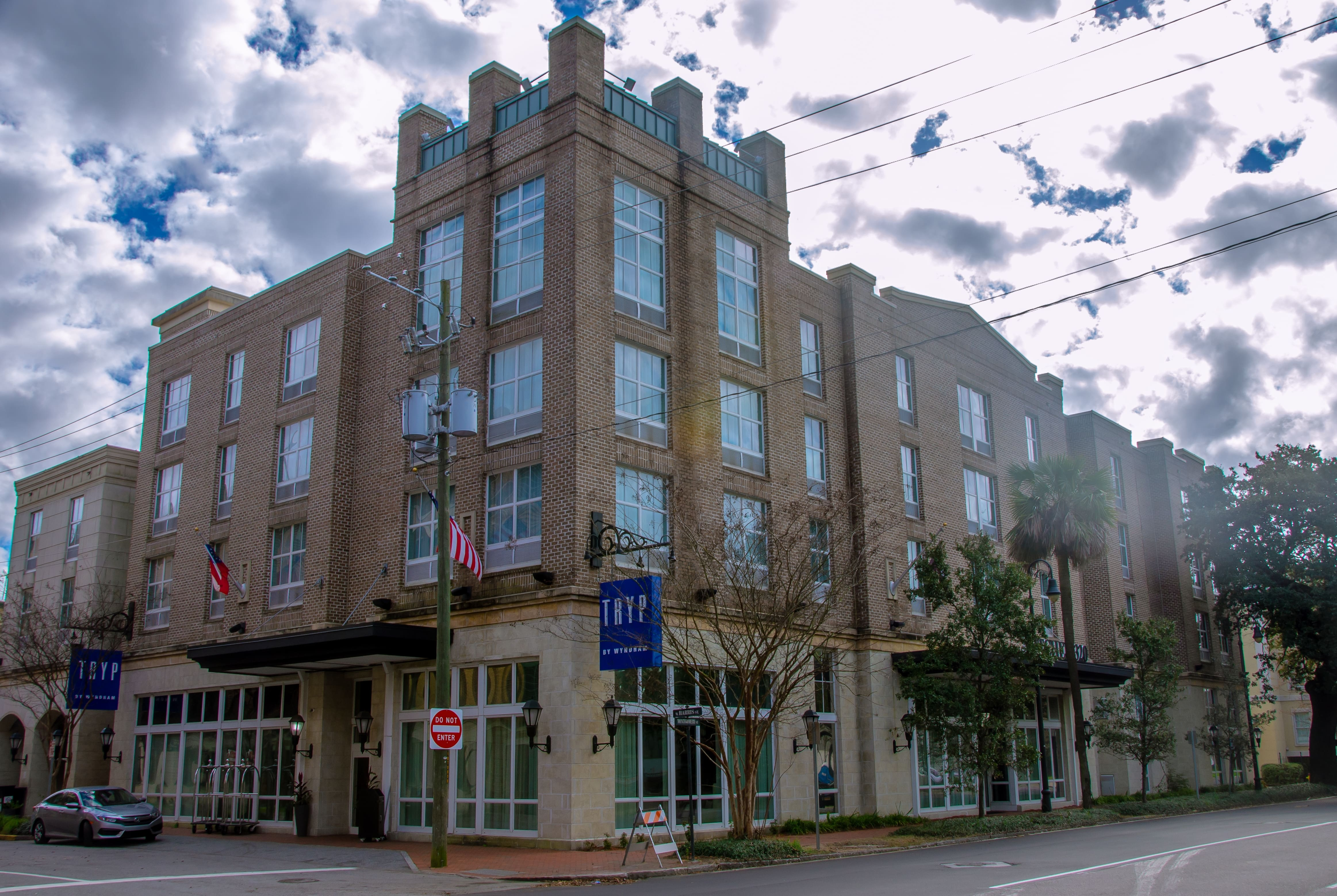 TRYP by Wyndham Savannah Downtown/Historic District ... Savannah Map Historic District on seoul airport map, galapagos islands map, chicago o'hare airport map, shreveport airport map, nacogdoches tx map, bibb county ga map, savanna illinois city map, charleston on us map, bonaventure cemetery map, tybee island map, beantown trolley tour map, salt lake city airport map, pickwick landing state park map, downtown augusta ga map, vintage world map, forsyth park map, city of keller texas map, ardsley park map, georgia map, atlanta map,